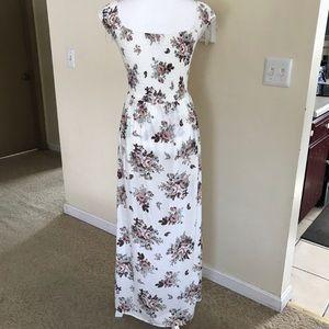 c694689db54a BONGO Dresses - White Flower 🌺 Smocked Maxi Dress Romper